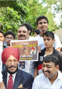 Run-for-SAVE-THE-CHILD-GIRL-with-Milkha-Singh-at-India-Gate