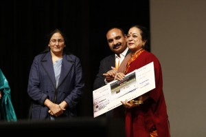 With-Kiran-Sehgal,-eminent-dancer-and-daughter-of-Zohra-Sehgal-recieved-Cheque-for-Zohra-ji-