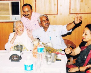 With-Legendary-actress-Zohra-Sehgal-